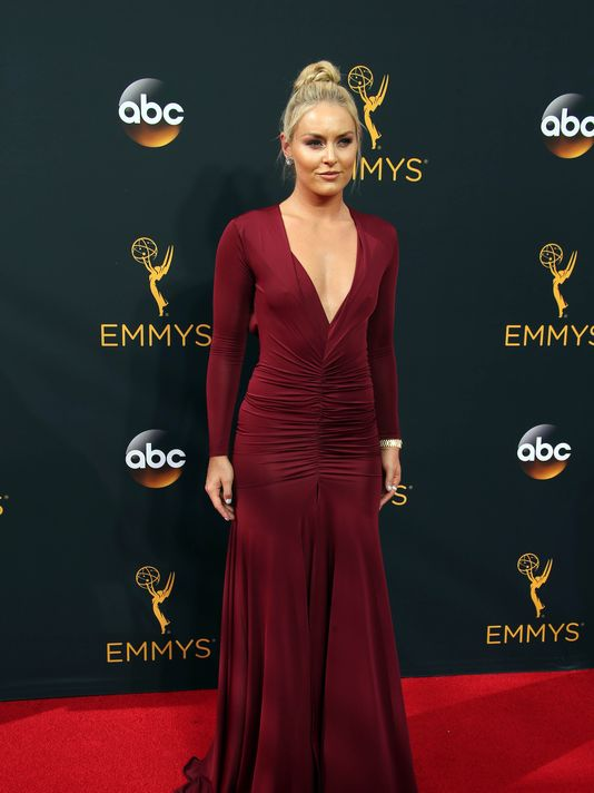 636111721072003843-usp-entertainment-68th-emmy-awards-85336438-1475638167653