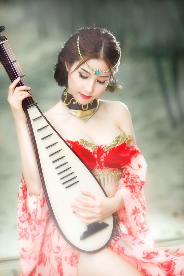 thuong-lam-nhung-bo-cosplay-dep-mat-cua-lang-game-viet-ngay-dau-nam